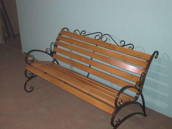 Фото скамейка Бабочка с элементами ковки в Коврове и Владимире