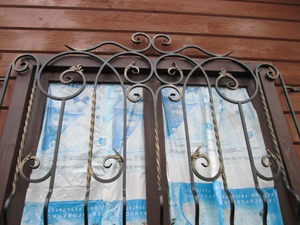 Кованые решетки на окна Москва цена с установкой