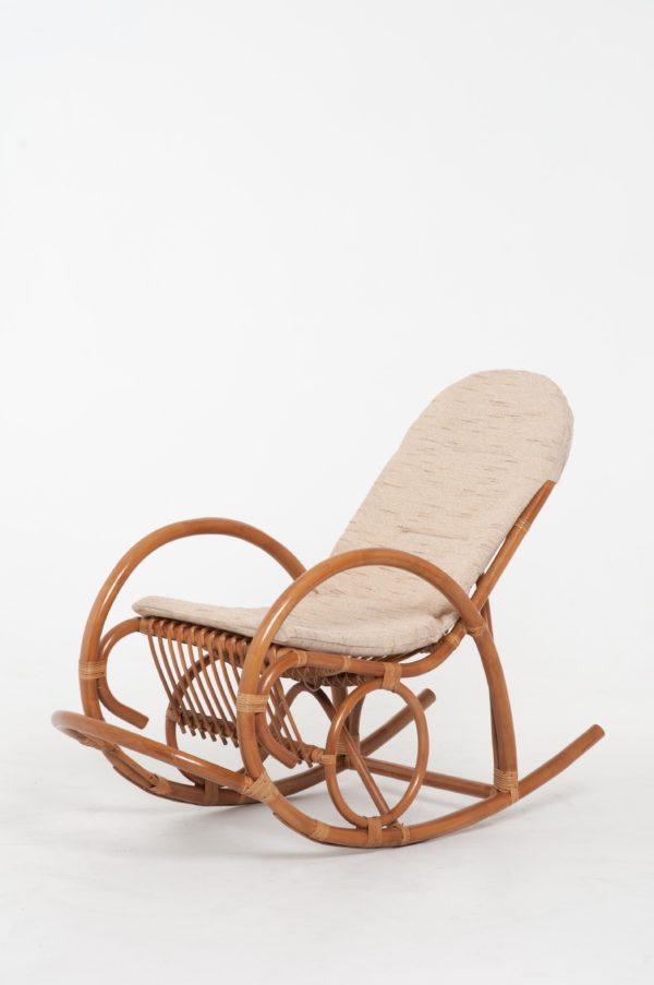 Кресло качалка из Ротанга фото и цены Ковров