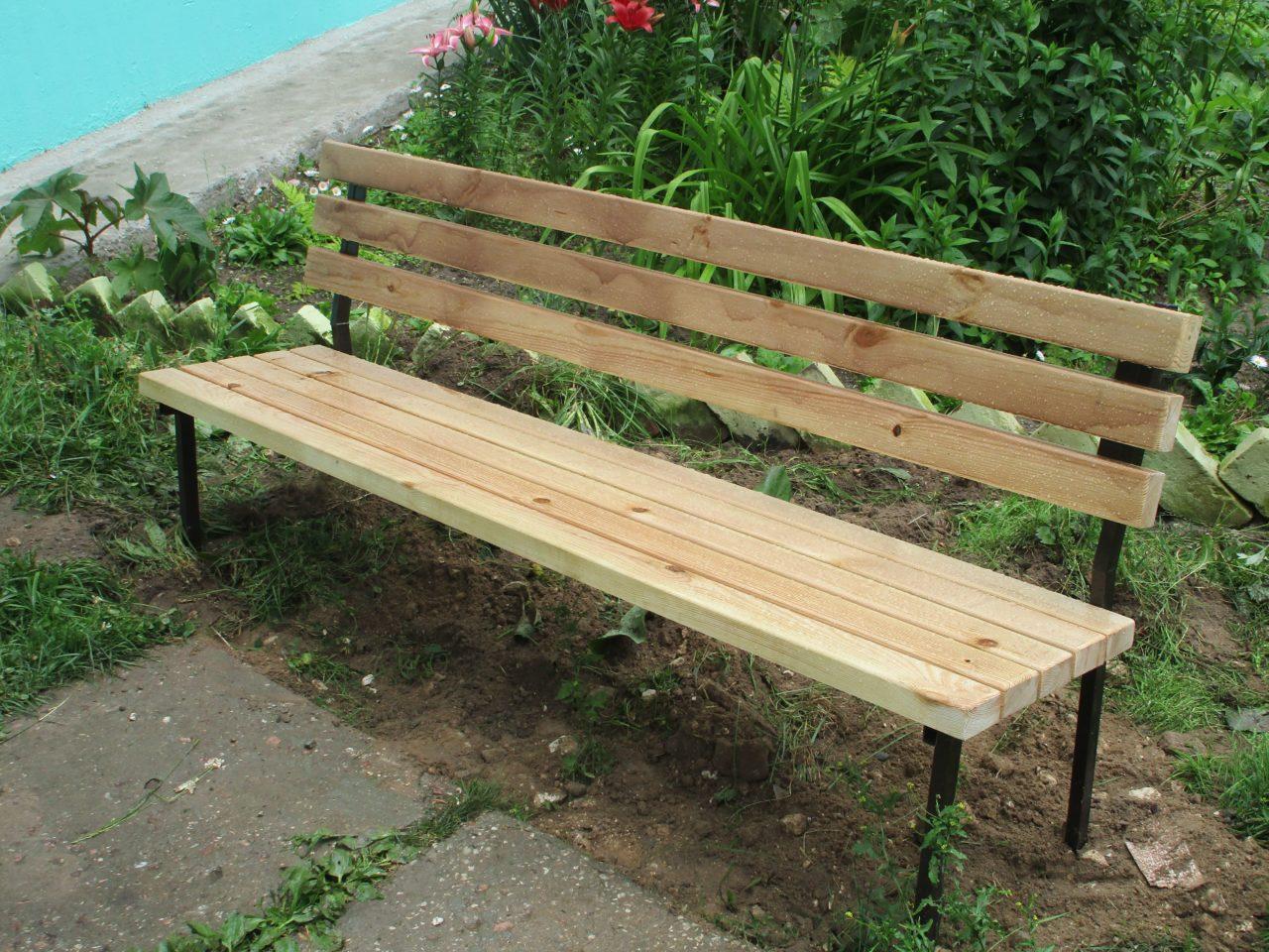 Фото садовая скамейка для дачи со спинкой из дерева в Коврове