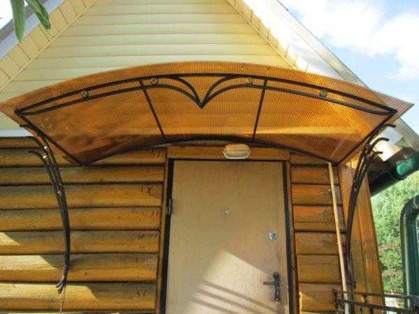 Козырёк из поликарбоната солнцезащитный для дачи
