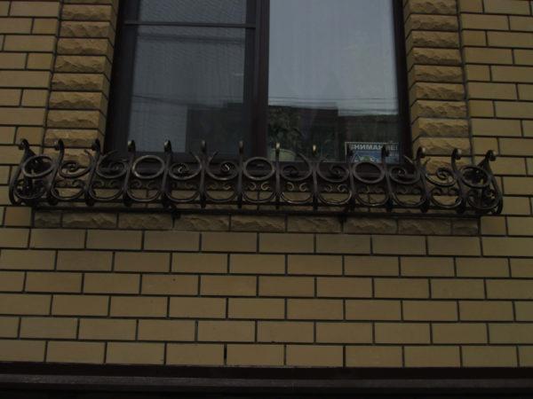 Уличные цветочницы из металла в Коврове фото