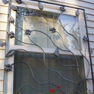 Фото решетки на окна кованые в Коврове