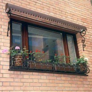 Цветочницы на окна